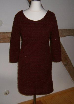 Kleid aus feiner Wolle mit Strukturmuster und Pailletten