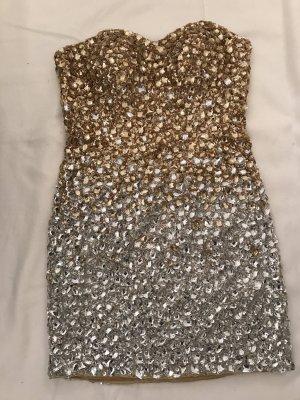 Kleid aus Pailetten&Steinen aufwendig verarbeitet.