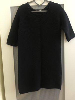 Kleid aus Rippenstrick