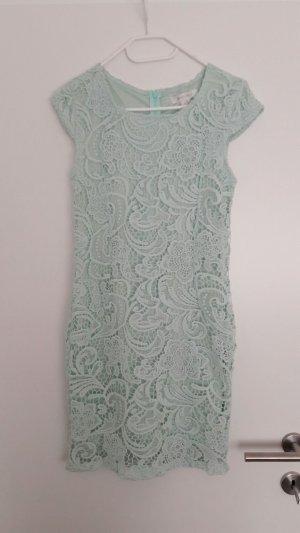 Kleid aus Spitze in mint