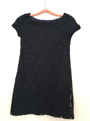 Kleid aus Spitze, Spitzenkleid, Abendkleid