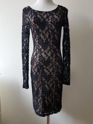 Kleid aus Spitze von Comma