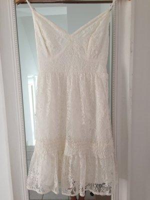 Kleid aus Spitze von Hollister
