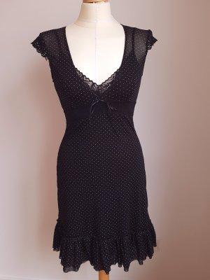 Kleid aus Stretchtüll mit Spitzendetails