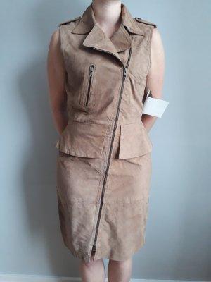 Kleid aus Veloursleder in Camel, Gr. 40