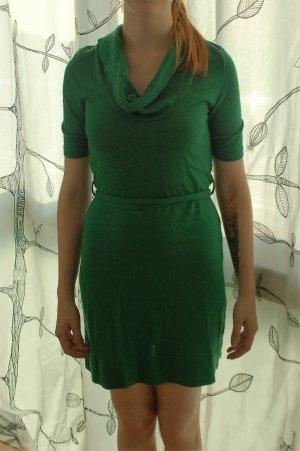 Kleid aus Wolle, kurz