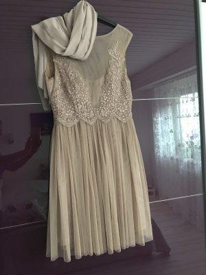 Vestido de baile beige