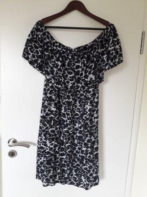 Vestido de un hombro blanco-negro