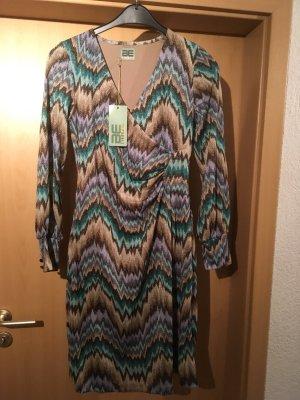 Be Lounged Longsleeve Dress multicolored