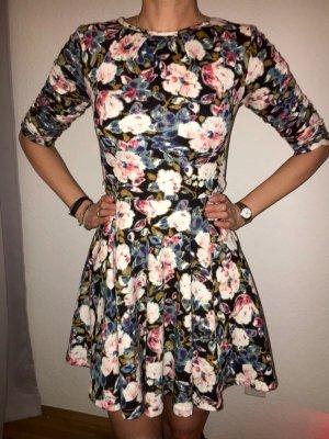 Kleid Blumen 38