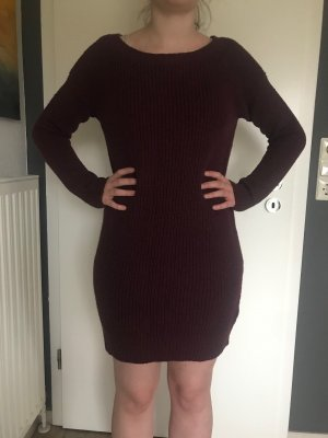 Kleid burgundfarbend