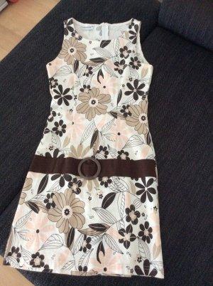 Kleid C&A Größe 38 figurbetont