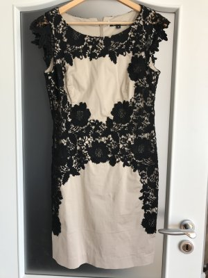 Kleid Comma beige mit schwarzer Spitze Gr 38