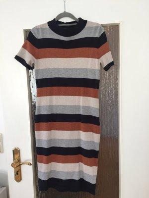 Kleid Comma Größe 36