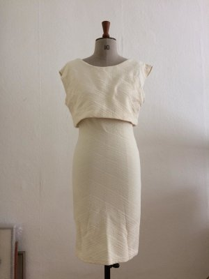 Kleid creme mit strukturiertem Stoff