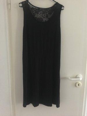 Kleid der Marke Yessica