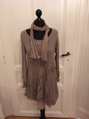 Kleid doppellagig mit Schal