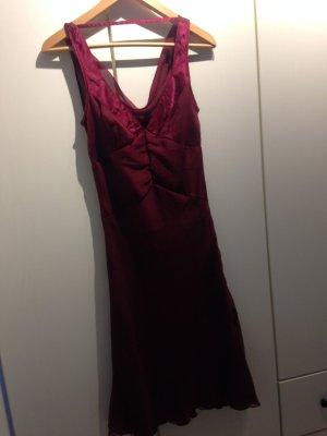 Kleid dunkelrot