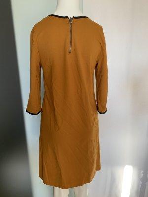 Ann Christine Robe fourreau noir-orange foncé