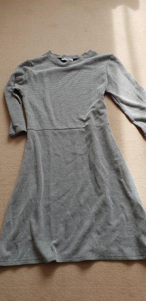 Kleid Etuikleid Gr. S