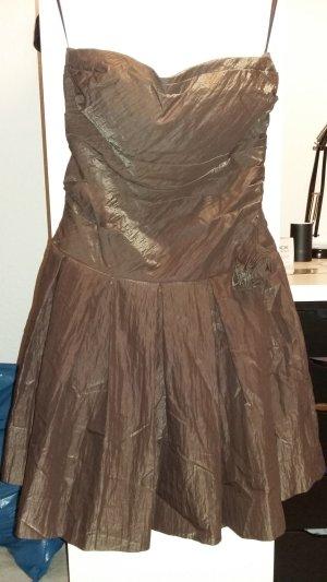 Kleid für Silvester mit Rose und Corsage
