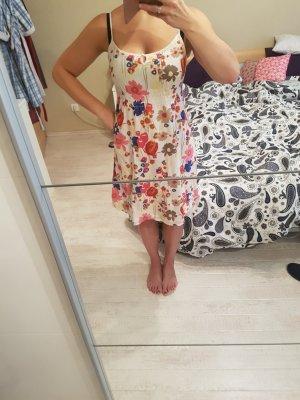 Kleid geblühmt