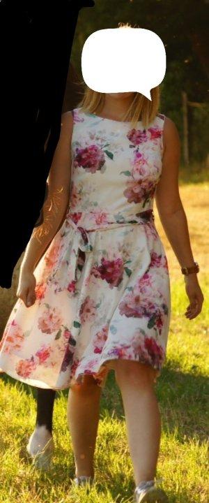 Kleid, geblühmt, 38