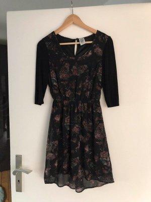 Kleid geblümt floral Größe S