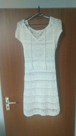 Kleid gehäkelt