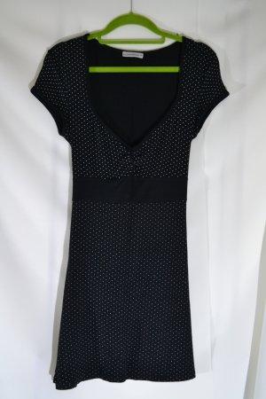 Kleid gepunktet Schwarz Weiß