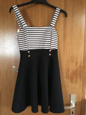 Kleid gestreift