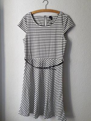 Kleid gestreift Vero Moda L neu mit Etikett weiß schwarz Streifen