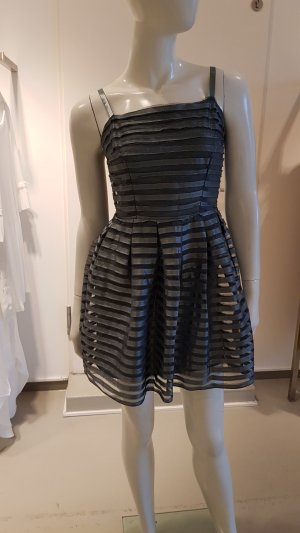 24346992d972 H&M Pinafore Dresses at reasonable prices | Secondhand | Prelved