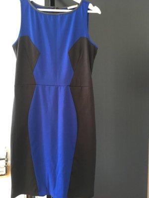 Kleid Gr. 38 ärmellos