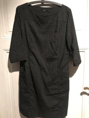 Kleid grau Zero