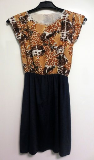Kleid Größe 32 gemustert