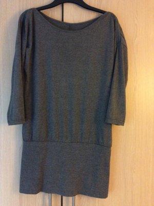 Kleid Größe s für den winter&sommer