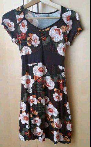 Kleid Größe S Marke C&A