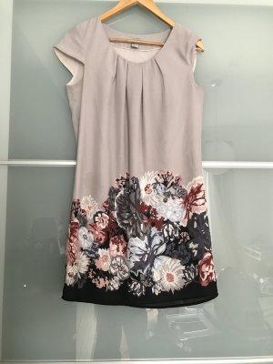Kleid Hängerchen