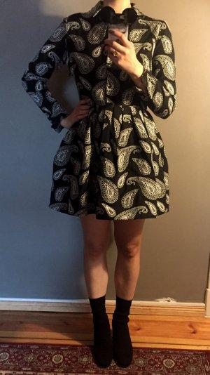 Kleid Hemdkleid mit Paisleymuster Paisley Schwarz Weiß ausgestellter Rock