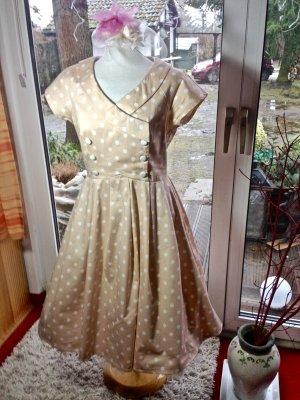 Kleid im 50er Jahre Styl