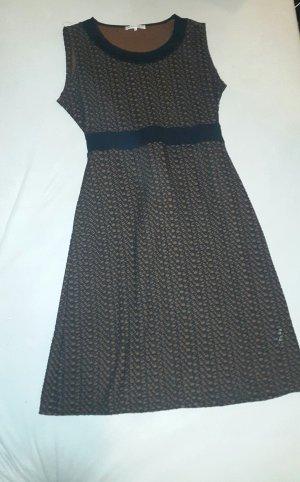 Kleid im 60er-Jahre Stil