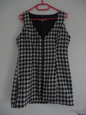 Kleid im Hahnentrittmuster in Gr. 38/40