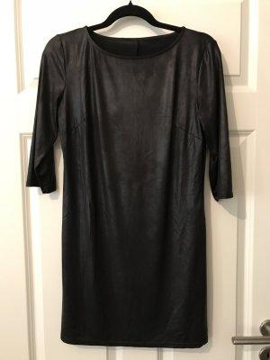 Kleid im Lederlook