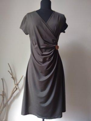 Kleid im Wickellook in der Trendfarbe kaki