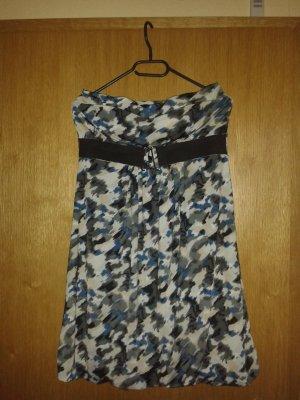 Kleid in camouflage optik