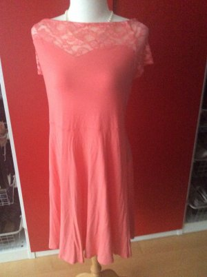 Kleid in Carmenoptik, englische Größe 26 (ich 52)