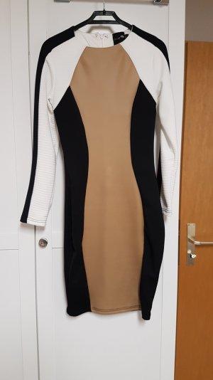 Kleid in Drei Farben