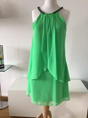 Kleid in einem frischen grün