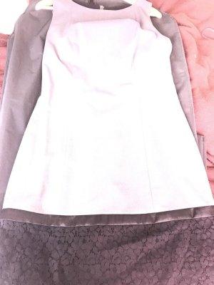 Kleid in grau mit spitze